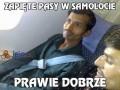 Zapięte pasy w samolocie