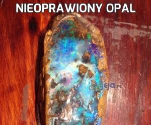 Nieoprawiony opal
