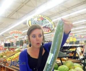 Uuu, to bardzo duży ogórek...