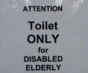 Toaleta tylko dla niepełnosprawnych starszych ciężarnych dzieci
