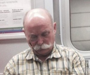 Stylowy pan spotkany w metrze