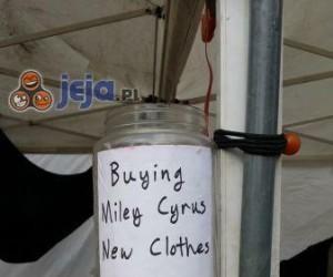 Zbiórka na ciuchy dla Miley Cyrus