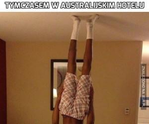 Tymczasem w australijskim hotelu