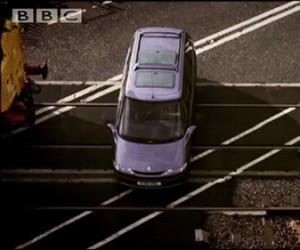 Co się dzieje z samochodem pozostawionym na torach