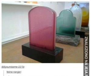 Szklane nagrobki