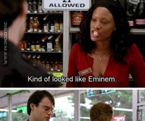 Wyglądał jak Eminem czy M&M's?