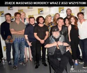 Zdjęcie masowego mordercy wraz z jego wszystkimi ofiarami