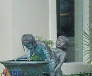 Ach, te posągi...