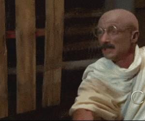 Gandhi traci cierpliwość
