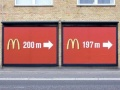 Podwójna reklama McDonalda