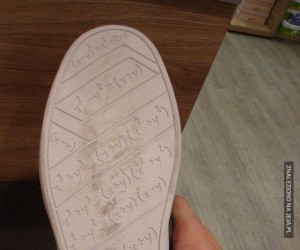 Ściąga pod butem