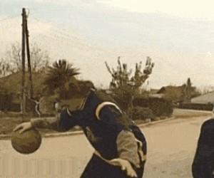 Gdy próbuję grać w koszykówkę