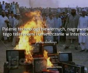 Precz z zachodnią technologią!