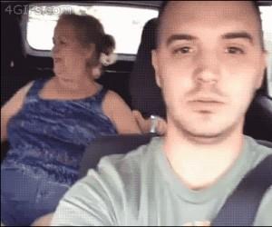 Gdy odwozisz rodziców z wesela