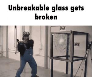 Niezniszczalne szkło zostaje pobite