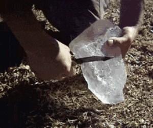 Jak rozpalić ognisko za pomocą lodu