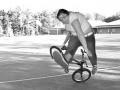 Mosh Girl i triki na rowerze