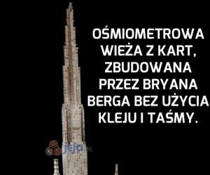 Ośmiometrowa wieża z kart