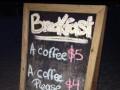Jak w amerykańskim barze zamówić tanią kawę