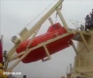 Jak poprawnie opuścić szalupę ratunkową