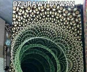 Dziurawy dywan