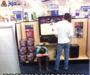 Narzekacie na dziewczyny w sklepach...