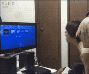 Ach, ci Azjaci... CHWILA! Czy to jest... PS4?!