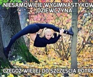 Niesamowicie wygimnastykowana dziewczyna