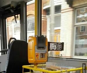 W holenderskich autobusach można poczytać