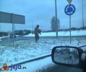 Tymczasem w Polsce - Kosi się śnieg