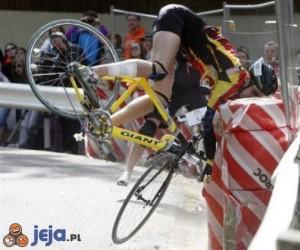 Zdziwiony rowerzysta