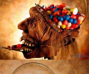 Straszny dyspenser cukierków