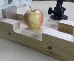 Magnesy rozwalają jabłko