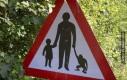 Uwaga, matki z dziećmi i... małpami