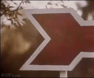 Hm... Gdzie prowadzi ten znak?