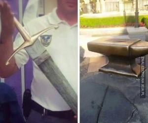 Ktoś wyciągnął Excalibur w Disneylandzie