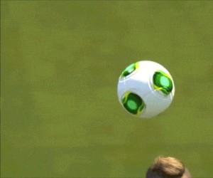Zrozum piłkę, stań się nią