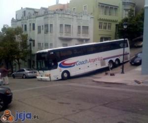 Autobusem z górki