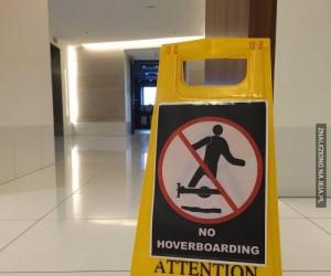 Uwaga na lewitujących skaterów