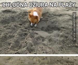Chłodna dziura na plaży
