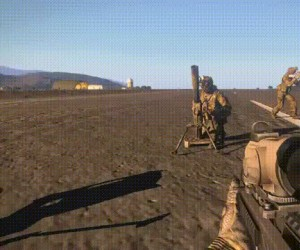 Młody żołnierz na poligonie