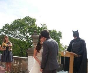 Co robi Batman w ciągu dnia?