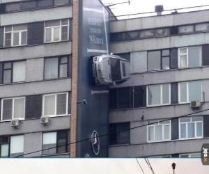 Ciekawa reklama Mercedesa
