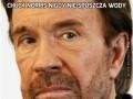 Chuck Norris nigdy nie spuszcza wody