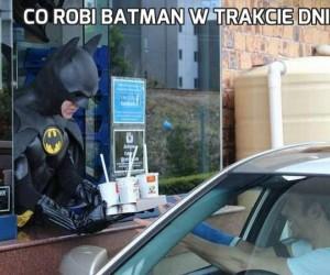 Co robi Batman w trakcie dnia