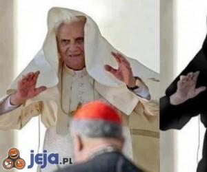 Papież po ciemnej stronie mocy