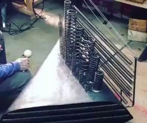 Instrument do tworzenia dźwięków w horrorach