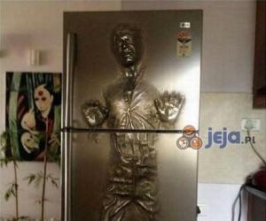 Co oni trzymają w tej lodówce?!