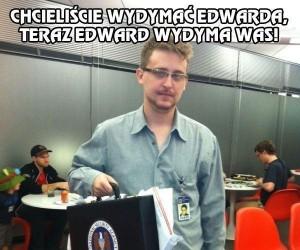 Snowden się odnalazł... a nie, jednak nie