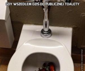 Gdy wszedłem dziś do publicznej toalety